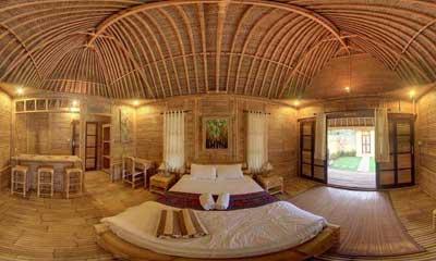 deluxe_bamboo_bungalows_enterior