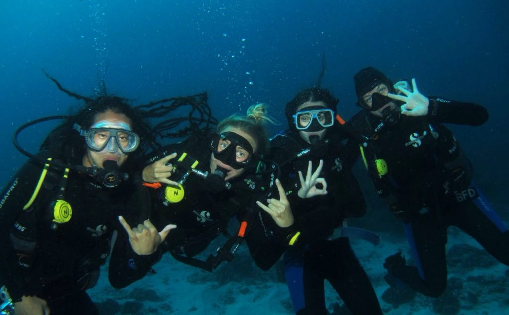 Yoga and Scuba Diving in Nusa Lembongan